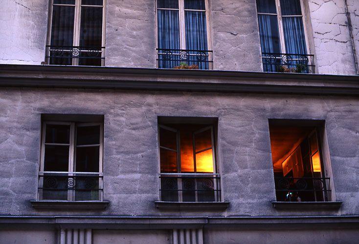 1paris_window.jpg