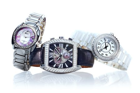1r100825_DB_Watches2_1.jpg