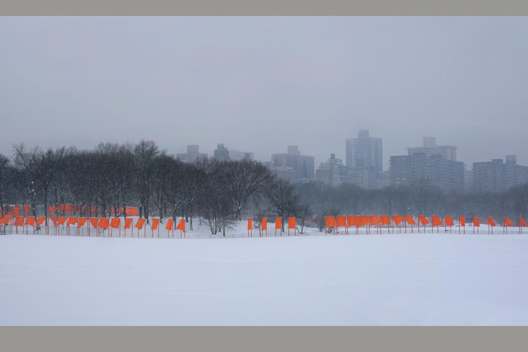 1christo_s_gates_new_york_central_park001.jpg