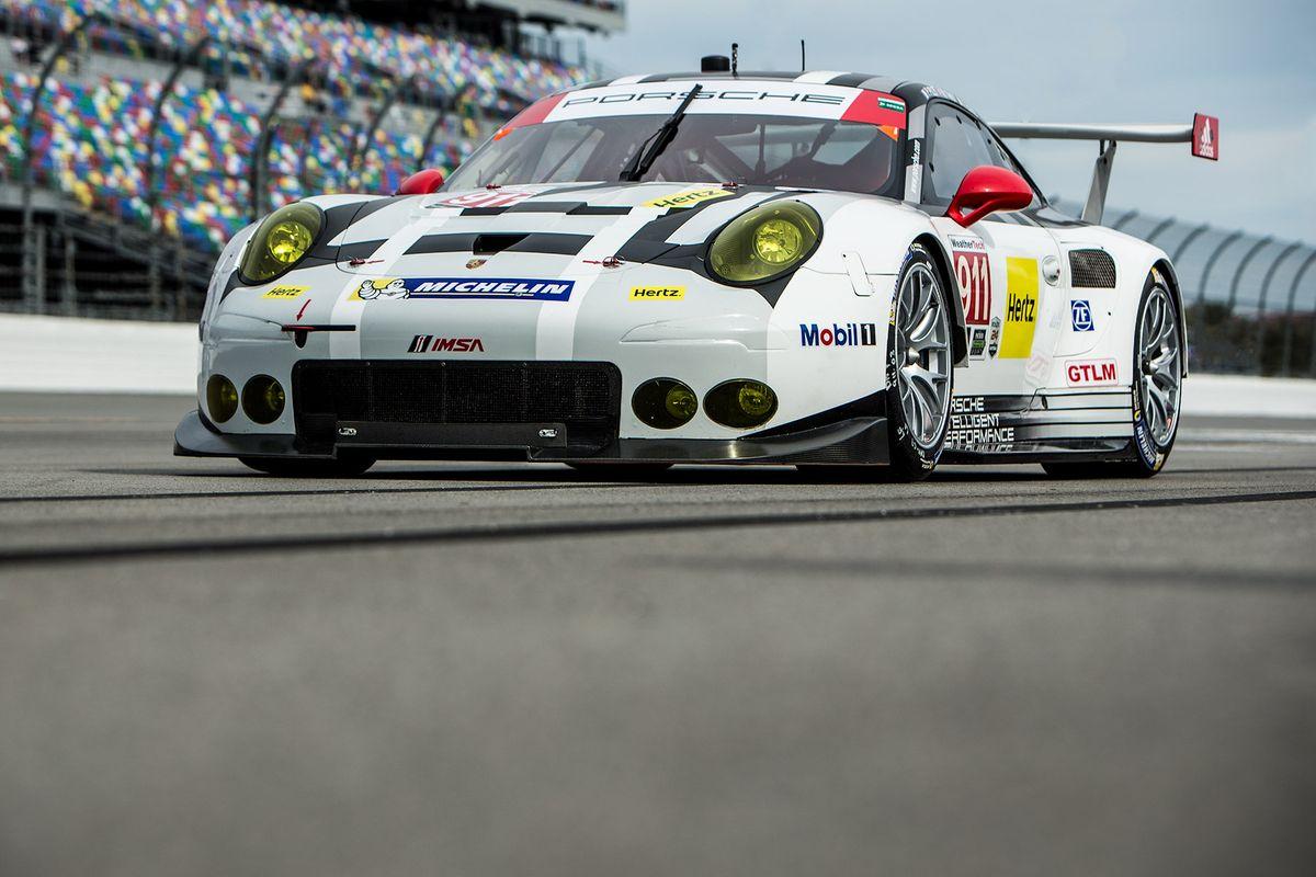 Porsche 911RSR Daytona