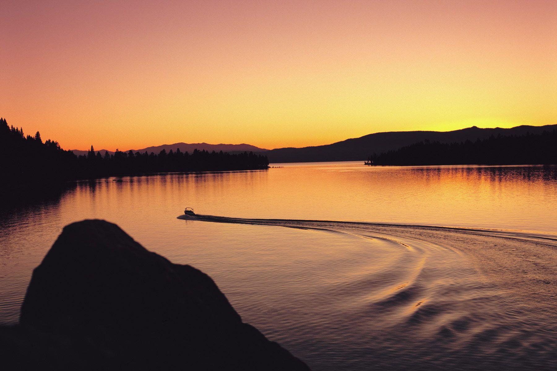 1emerald_bay_boat_dawn