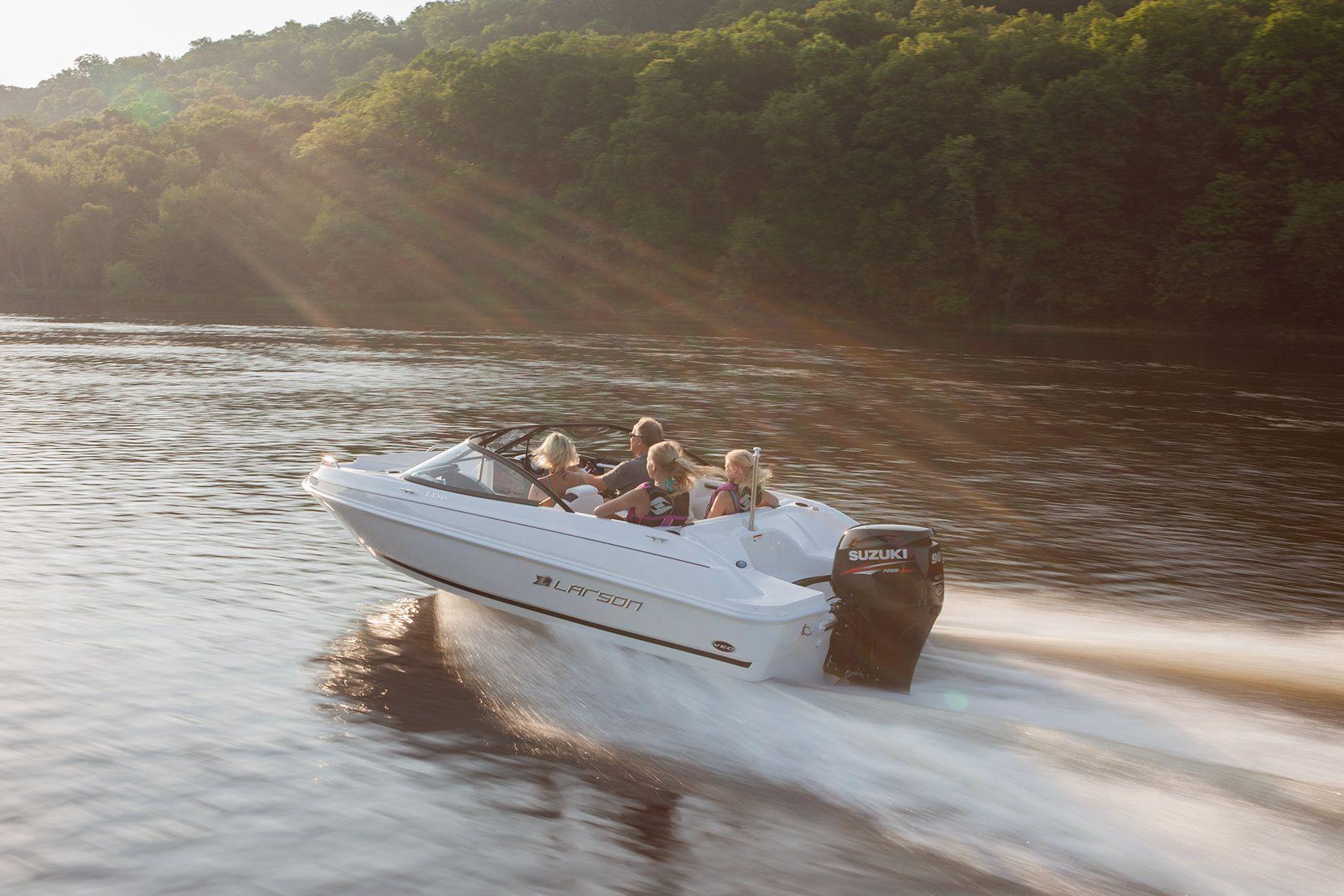 Client: Larson Boats