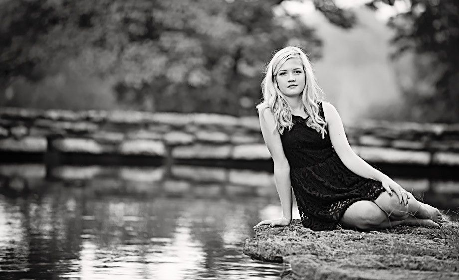 7_0_53_1black_and_white_senior_portrait_louisville.jpg