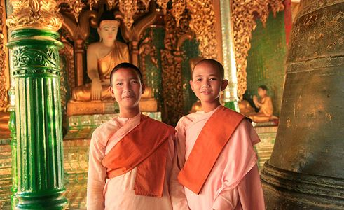 1burma_girl_monks