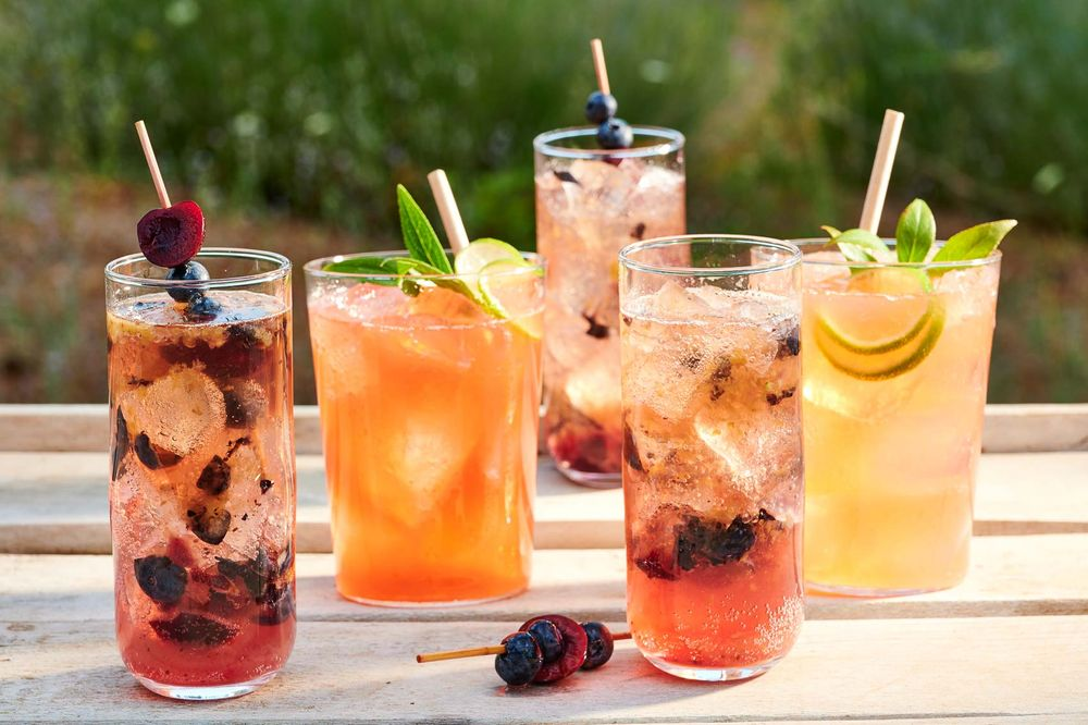 Summer_fruit_cocktails.jpg