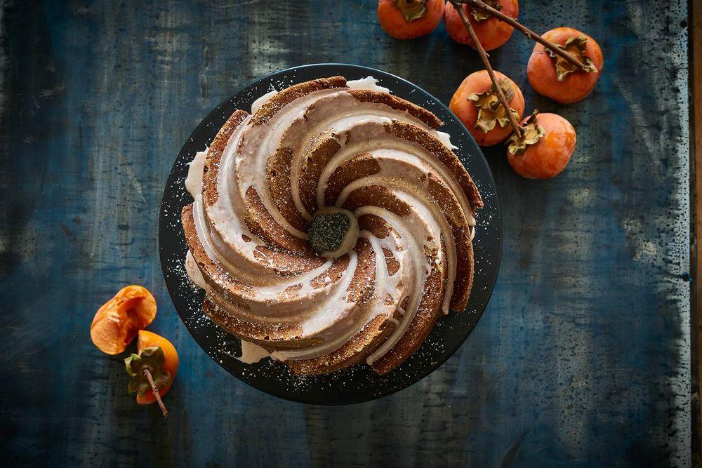 Iced persimmon bundt cake