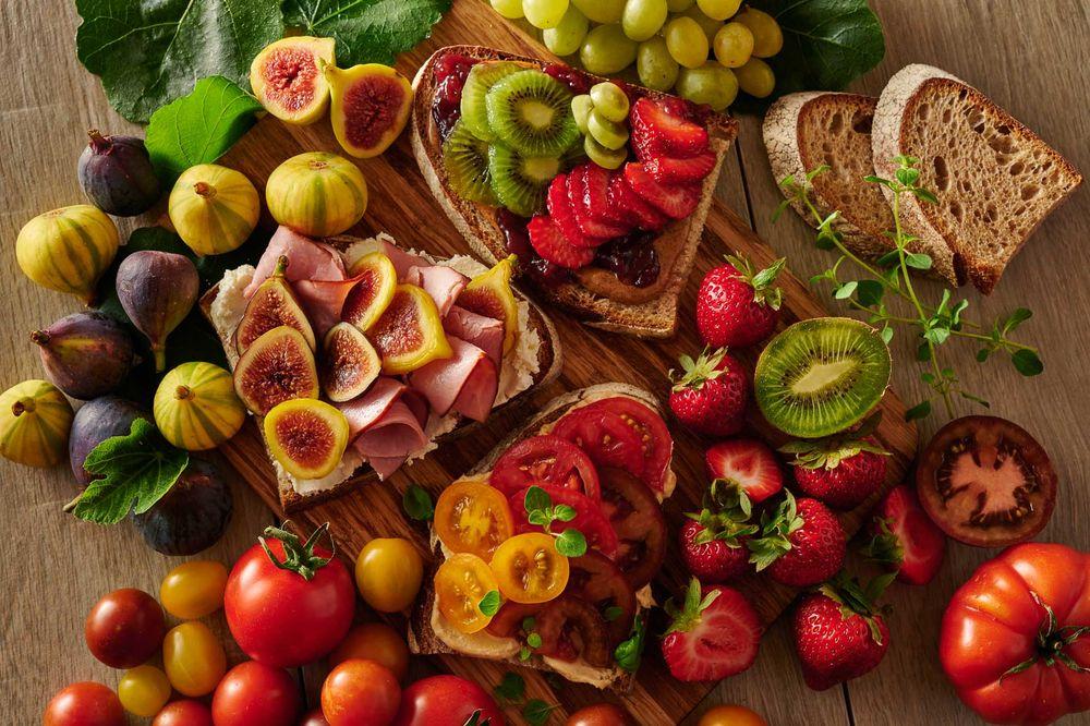 fig ham heirloom tomato toast