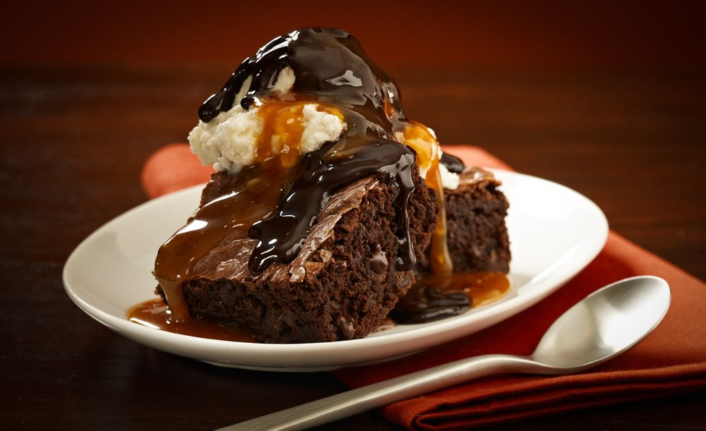 Chocolate caramel fudge brownie a la mode