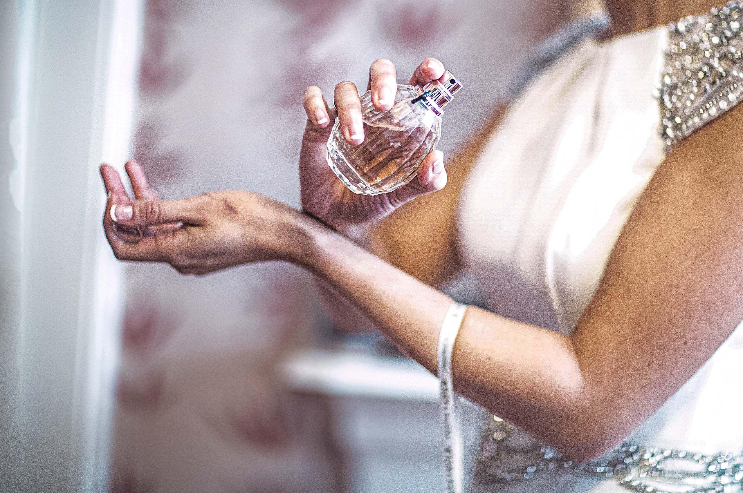 Paul-Hames-Wedding-Photography_Jody_Bridal-Prep.jpg