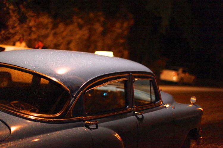 1cuba_havana_night_car_taxi_doria_anselmo___1
