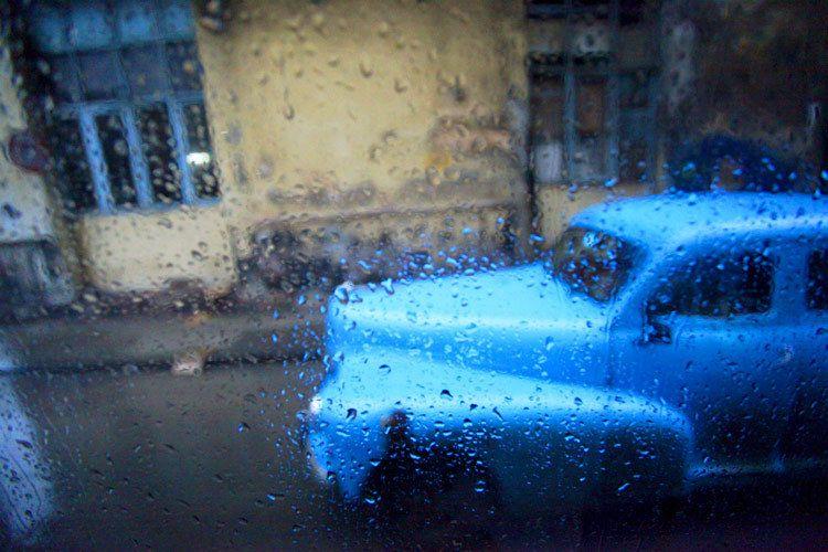 1cuba_car_rain_2015_doria_anselmo