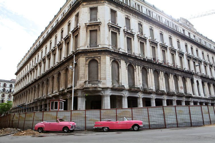 1cuba_havana_pink_cars_convertible_doria_anselmo___1