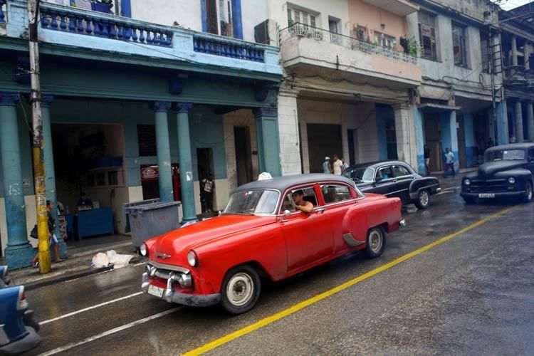 1cuba_havana_red_car_doria_anselmo___1
