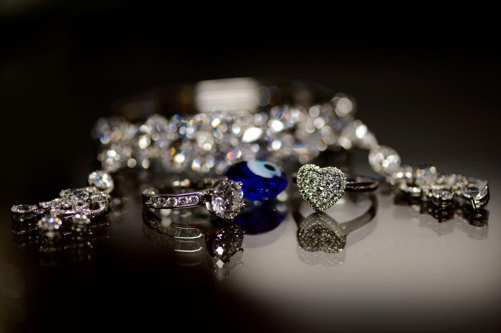 bride and groom jewellery,  Wedding rings