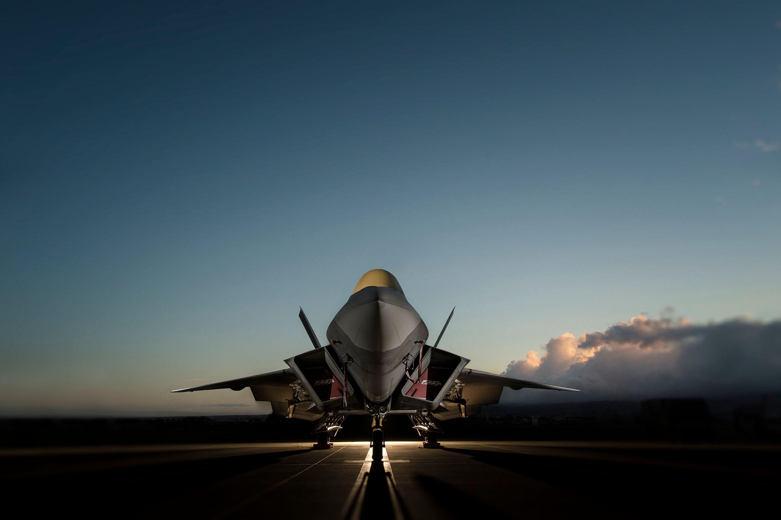 F22 Flightline