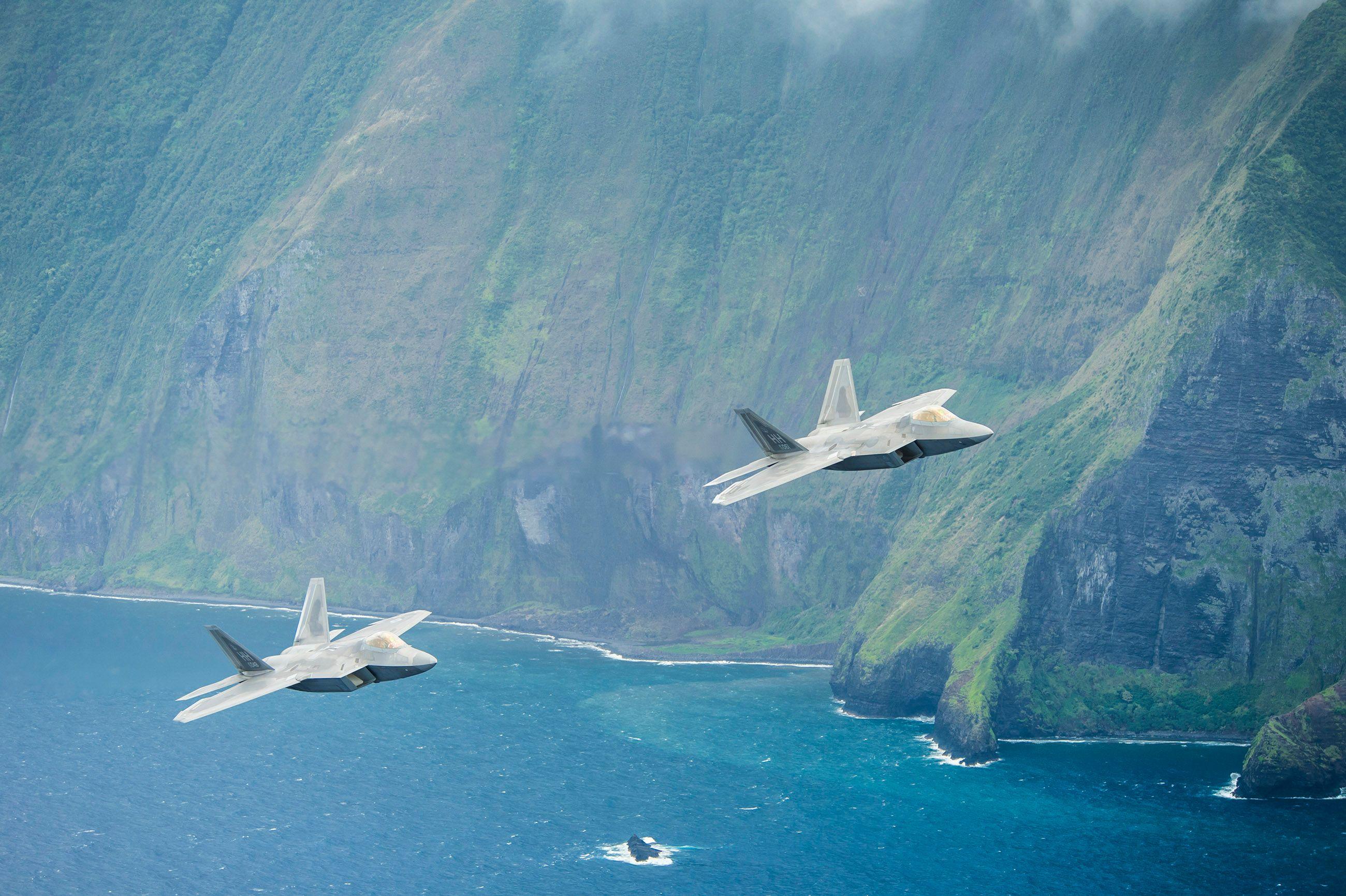F-22 Aerial over Hawaii