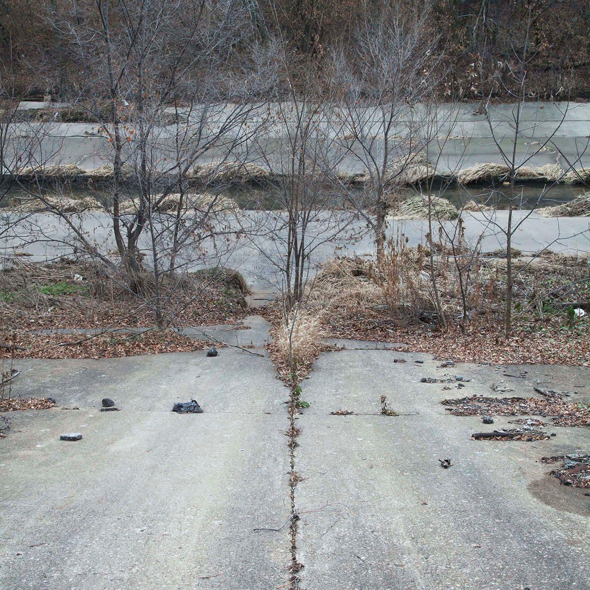 5_0_239_11-concrete_river.jpg