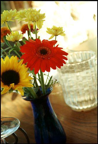 1table_flowers_full.jpg