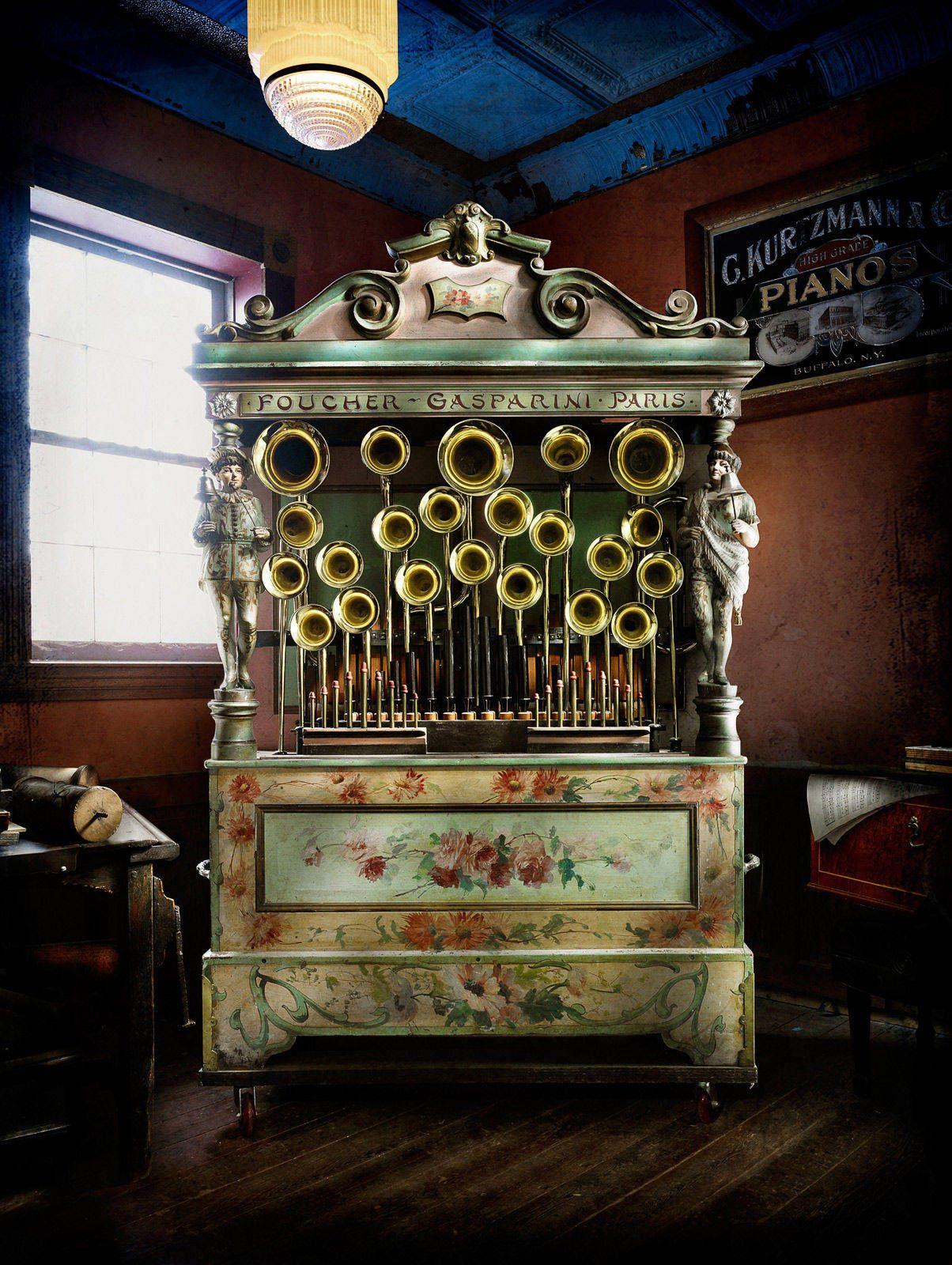 Gasparini Street Organ by Harold Ross
