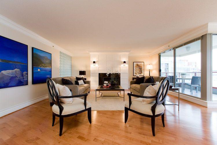 11-livingroom.jpg