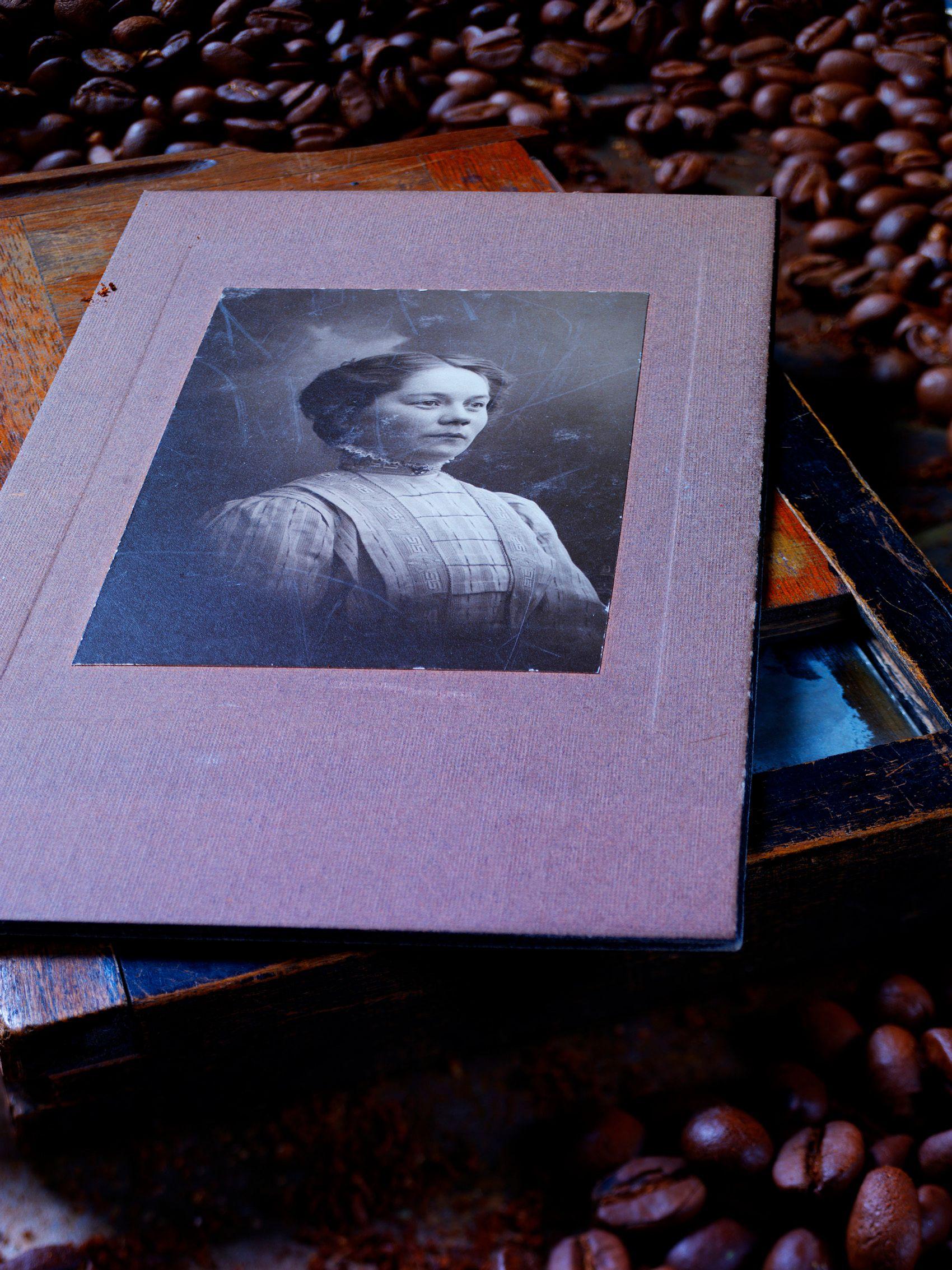 Betty B ca 1909-10 .jpg
