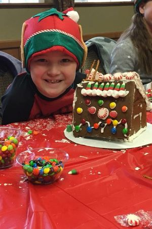 Zermatt_Swiss_Christmas_2017_Midway_Utah_Gingerbread_House_with_Elf.jpg