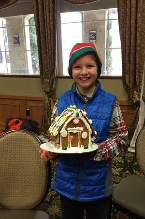 Zermatt_Swiss_Christmas_2017_Midway_Utah_Displaying_Gingerbread_House_Masterpiece.jpg