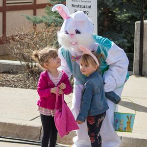 Zermatt_Spring_Extravaganza_2018_Midway_Utah_Childrens_Easter_Bunny_With_Young_Fans_Cameo.jpg