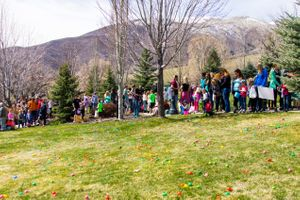 Zermatt_Spring_Extravaganza_2018_Midway_Utah_Easter_Egg_Hunt_Waiting_Patiently.jpg