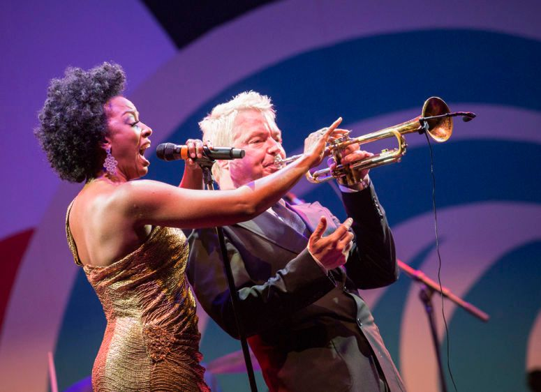 Sy Smith with Chris Botti, Monterey Jazz Festival