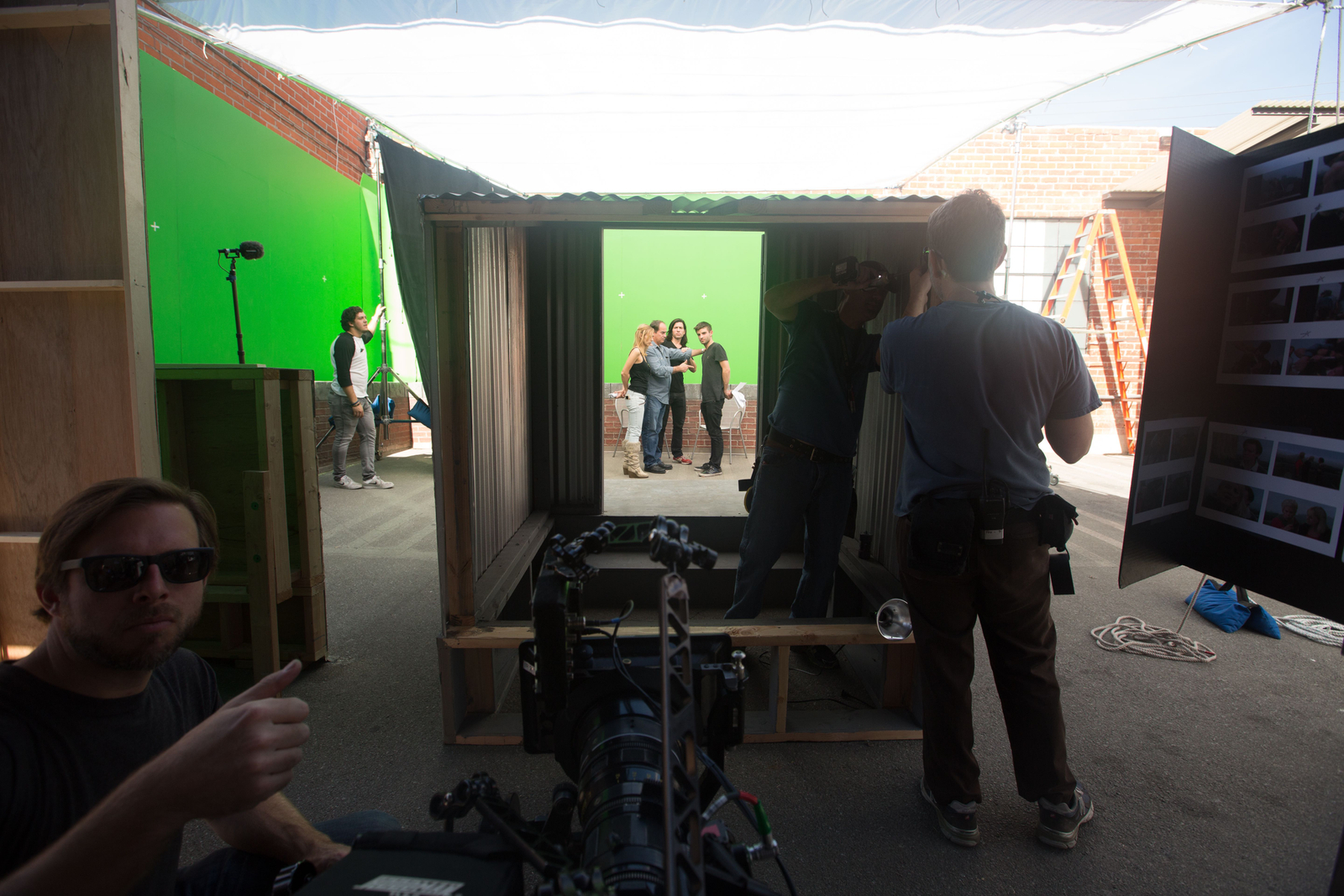 behind the scenes on the Disaster Artist