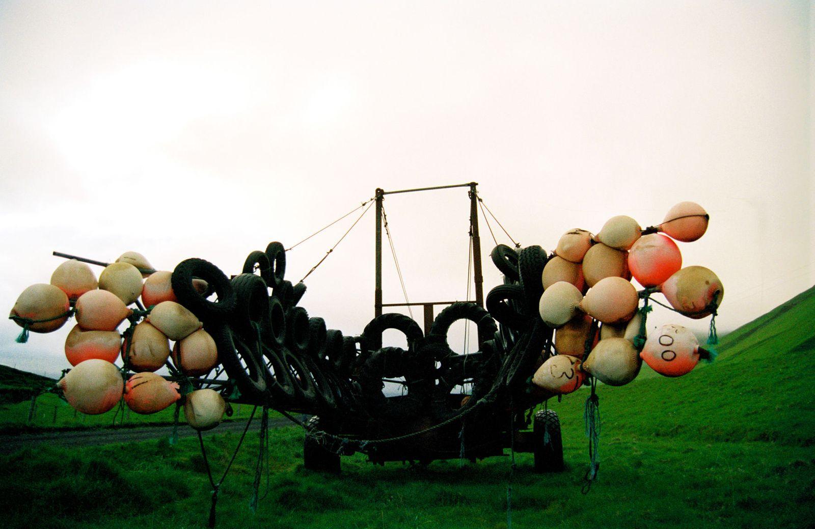 Balloon BargeVik, Iceland