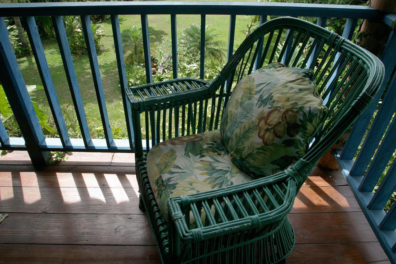1balcony_chair1