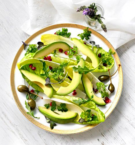 16_0_487_1avocado_salad_b.jpg
