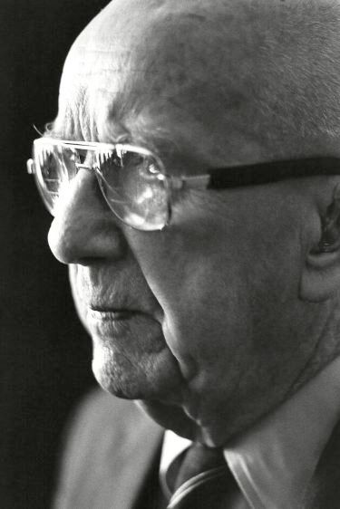 Buckminster Fuller, architect, New York, 1983