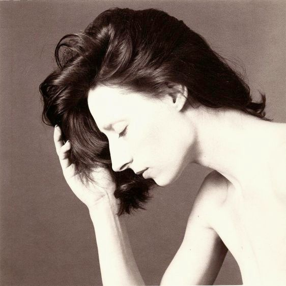 Sara, 1983