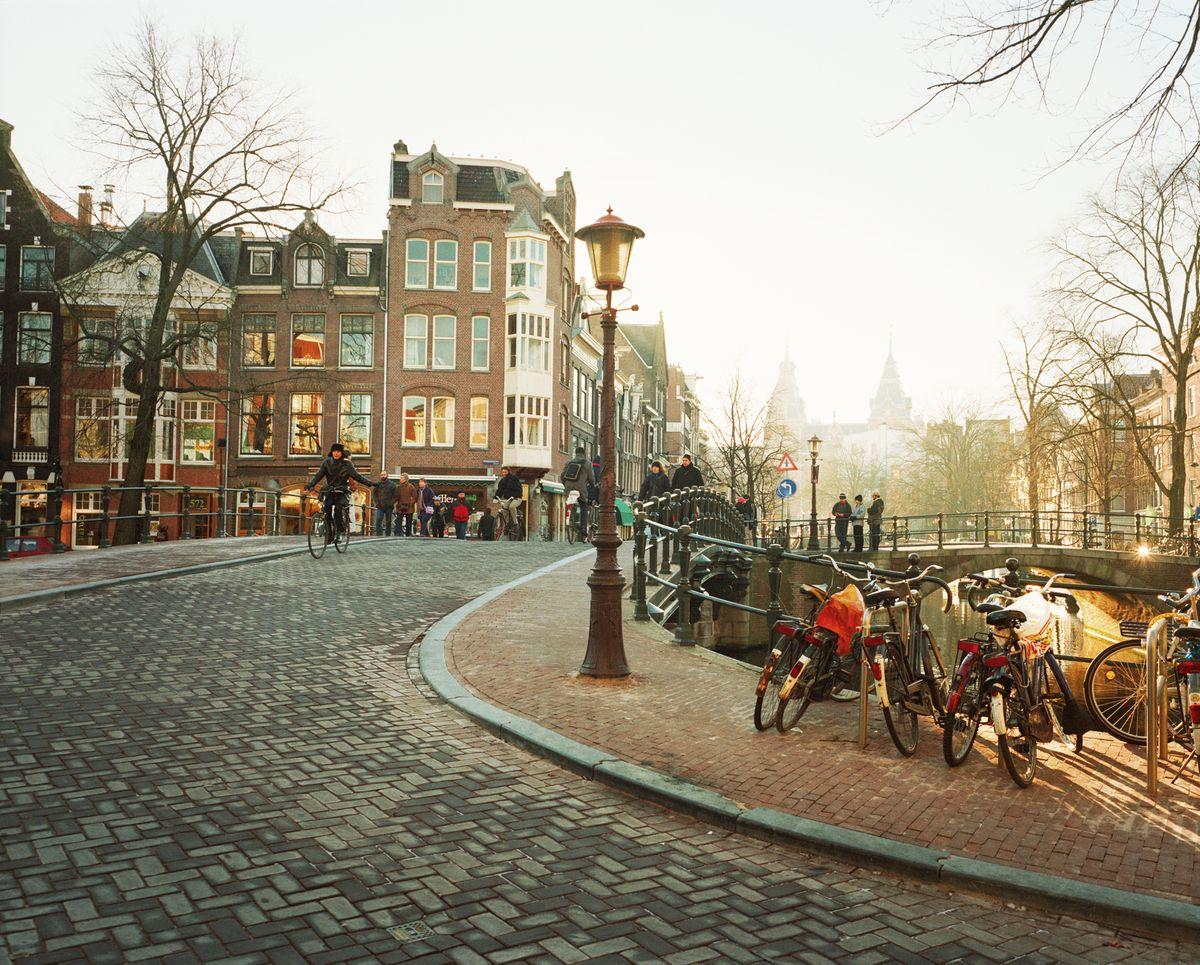 ipad-amsterdamstreet.jpg