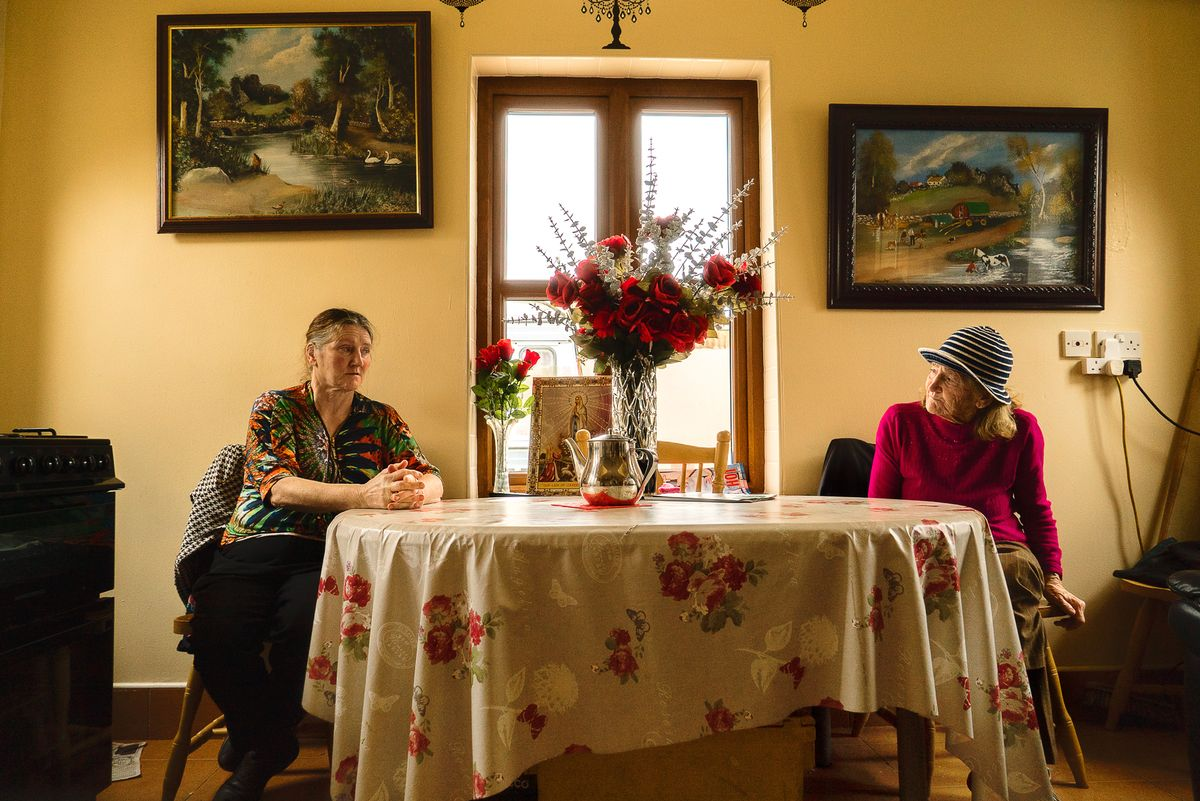 21-Helen and Anne.jpg