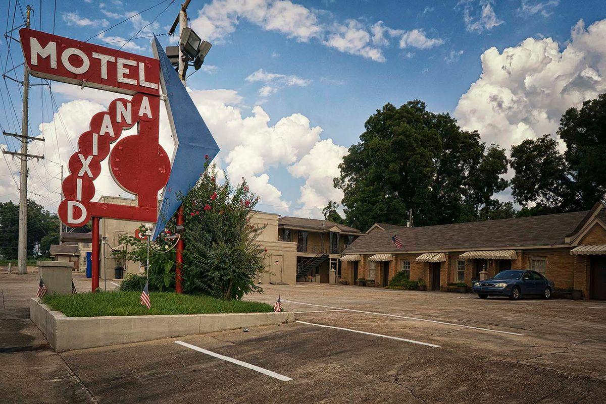 14-Dixiana Motel.jpg