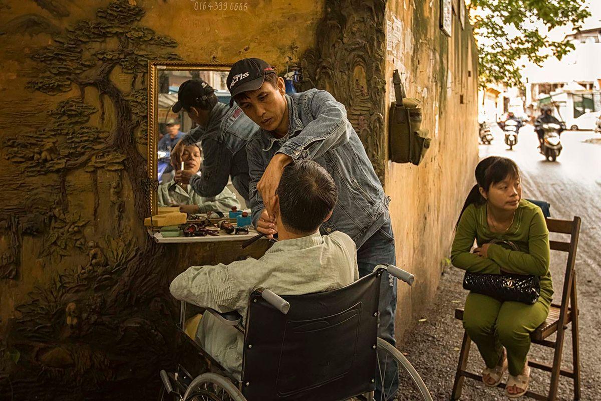 1-Hanoi Barber.jpg