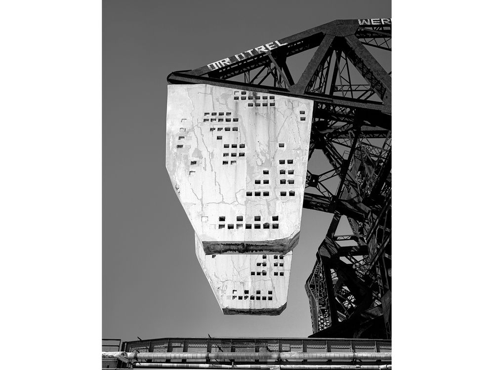 Counterweights, 18th St. Railroad Bridge, Chicago 2001