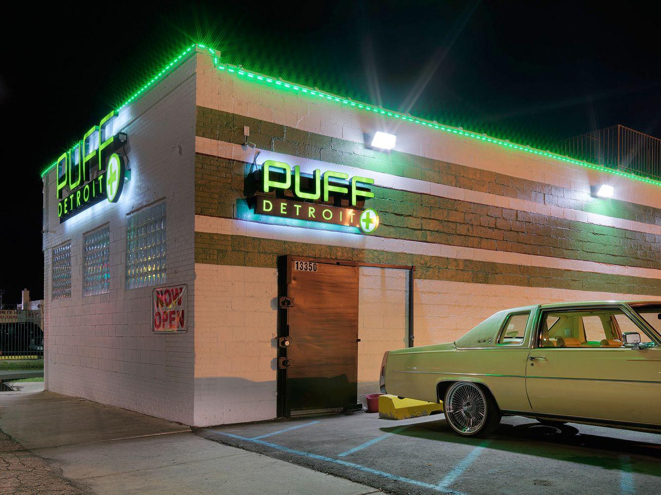 Medical-Marijuana-Dispensary-30,-Detroit-2016
