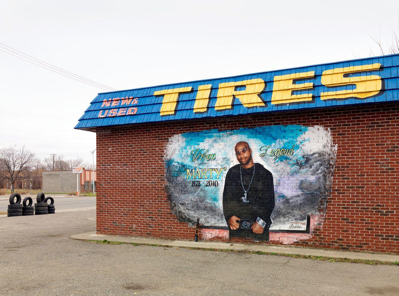 Memorial, Warren Avenue, Detroit 2011