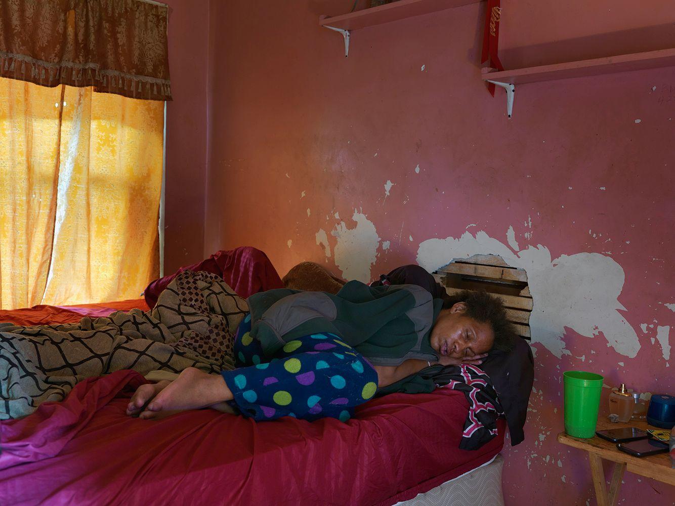 Kat Sleeping, Eastside, Datroit 2015