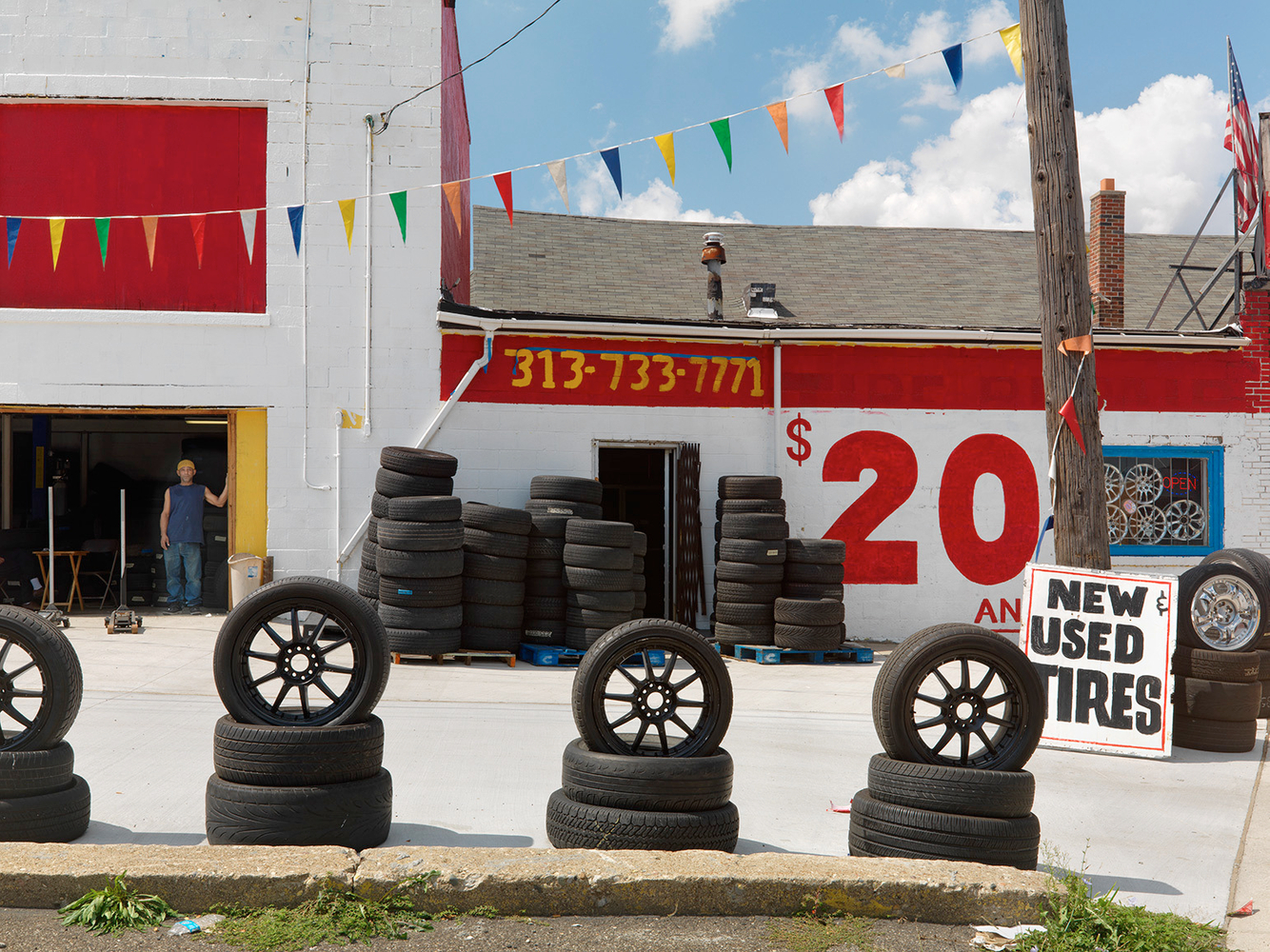 New Tire Shop on Michigan Avenue, Detroit 2012