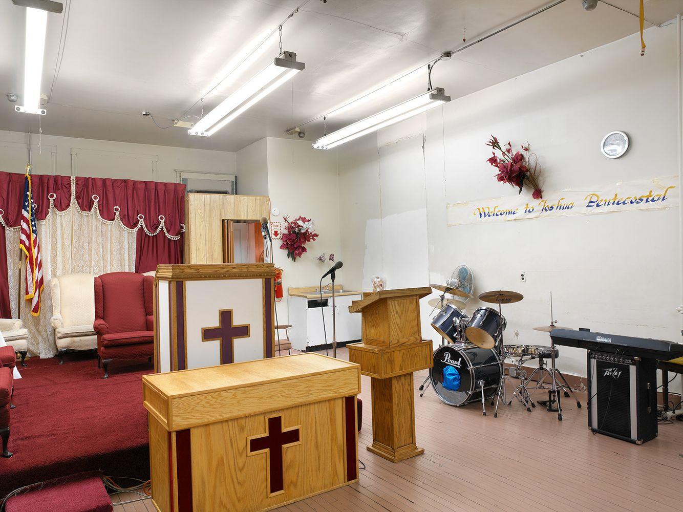 Pulpit, Joshua Pentecostal Church, 6518 S. Ashland Avenue, Chicago 2005