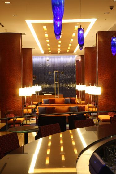 Baltimore Hilton, lobby and bar
