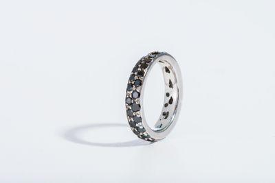 BLACK-WEDDING-BANDFLATs.jpg