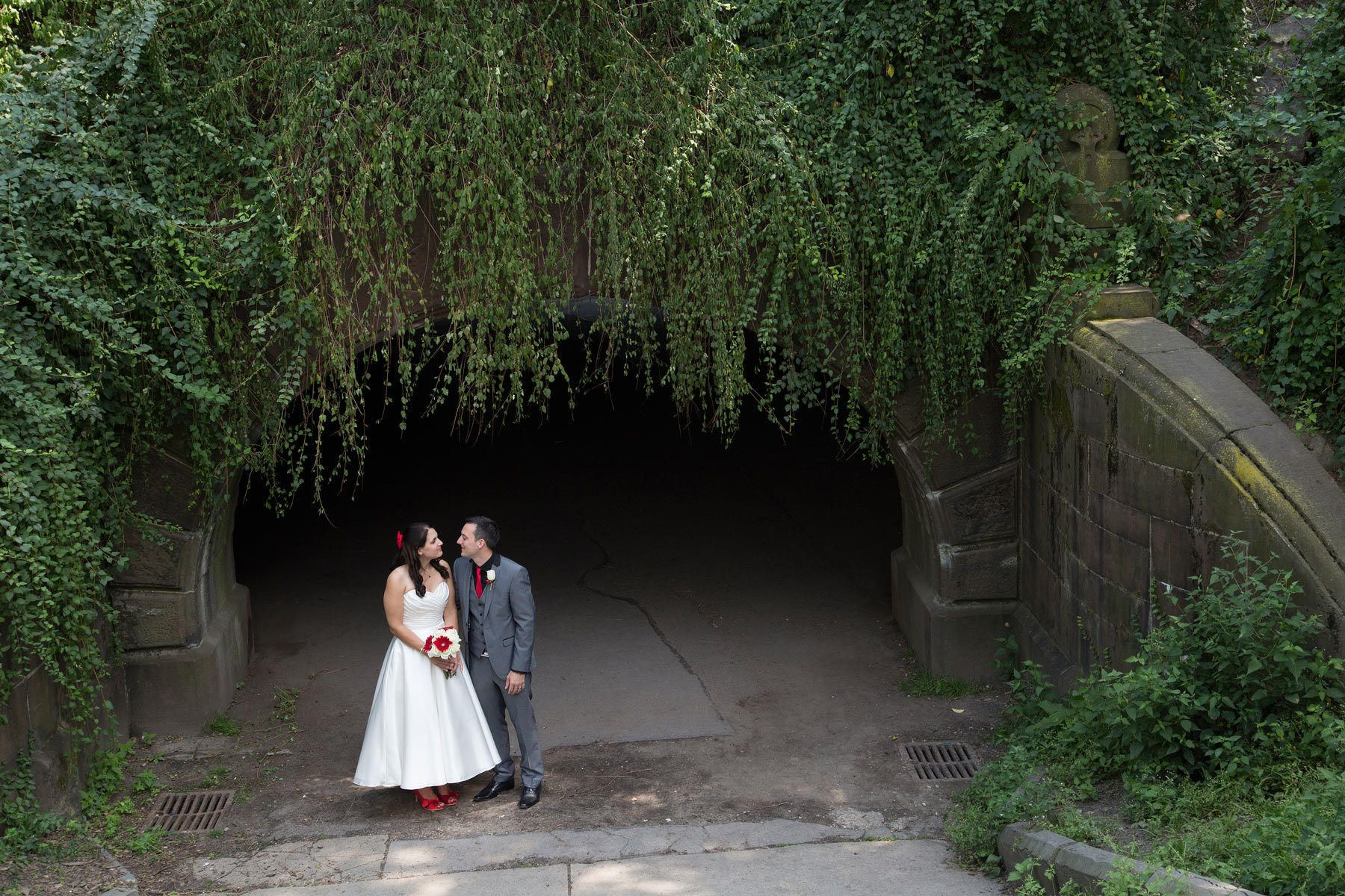 Romantic Tunnel Summer Wedding