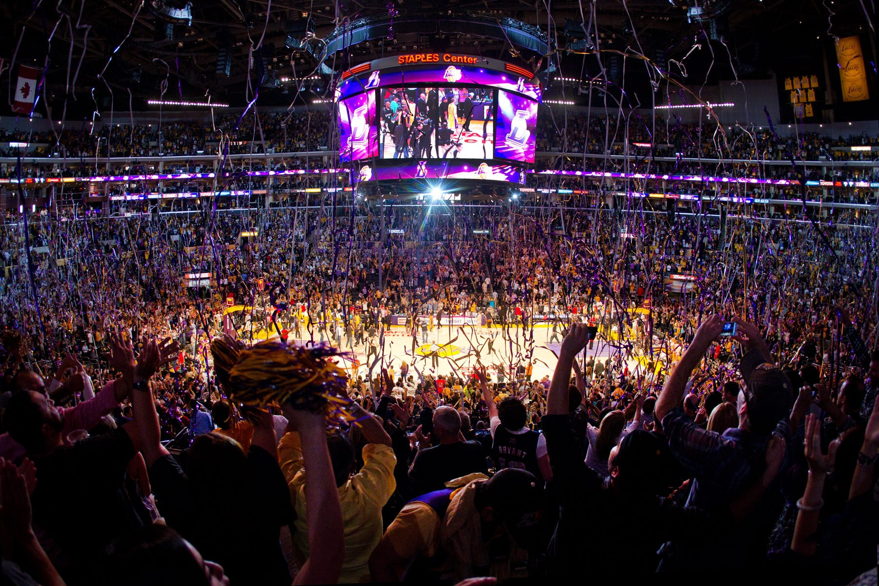 1staples_center_lakers_win